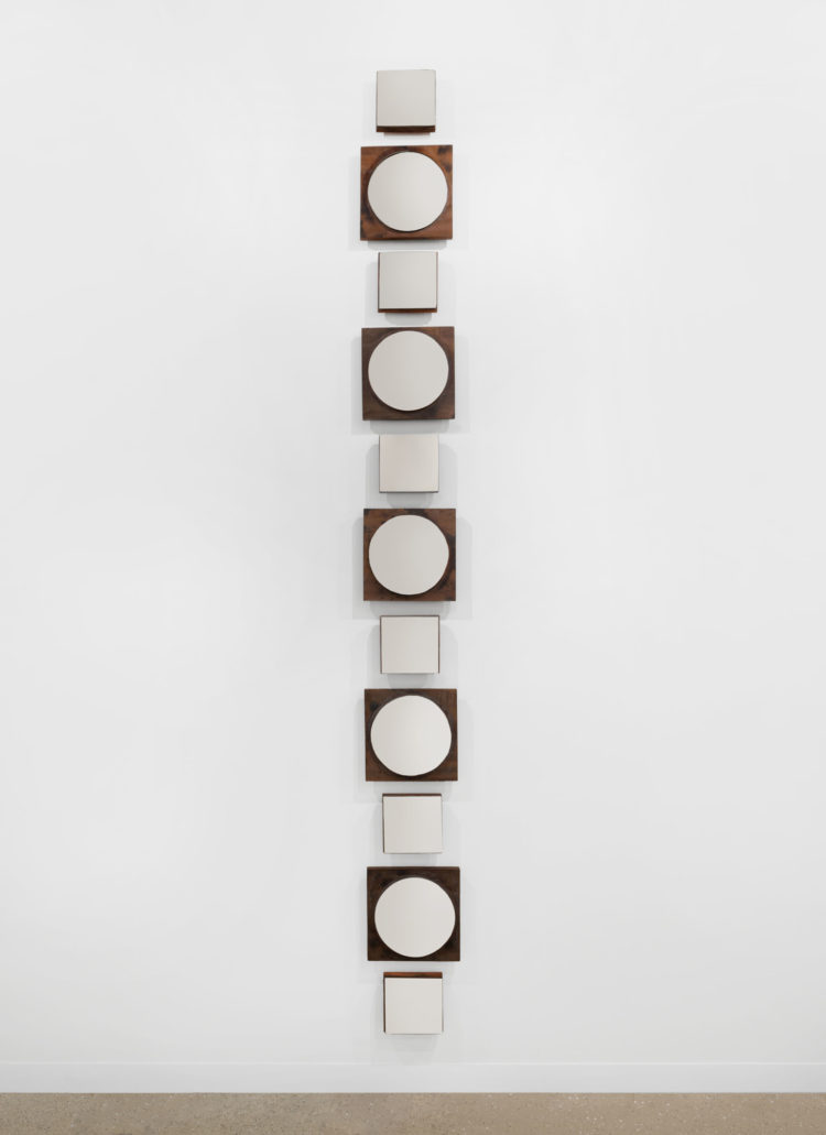 """Germaine Kruip (°Castricum, 1970), """"Kannadi, Square and Circle Sequence"""", 2019, Hand-made metal mirrors, wax, wooden base, 308 x 30 cm"""