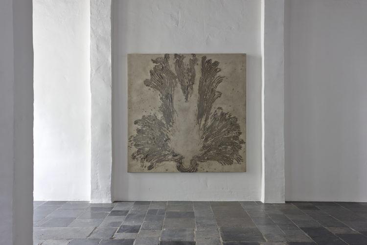 """Installation view of Uecker's work, """"Aschemensch"""" (1987) in Antwerp (2014)"""
