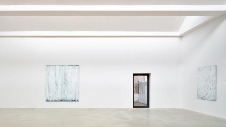 Installation view of Raimund Girke's 2018 exhibition at Kanaal