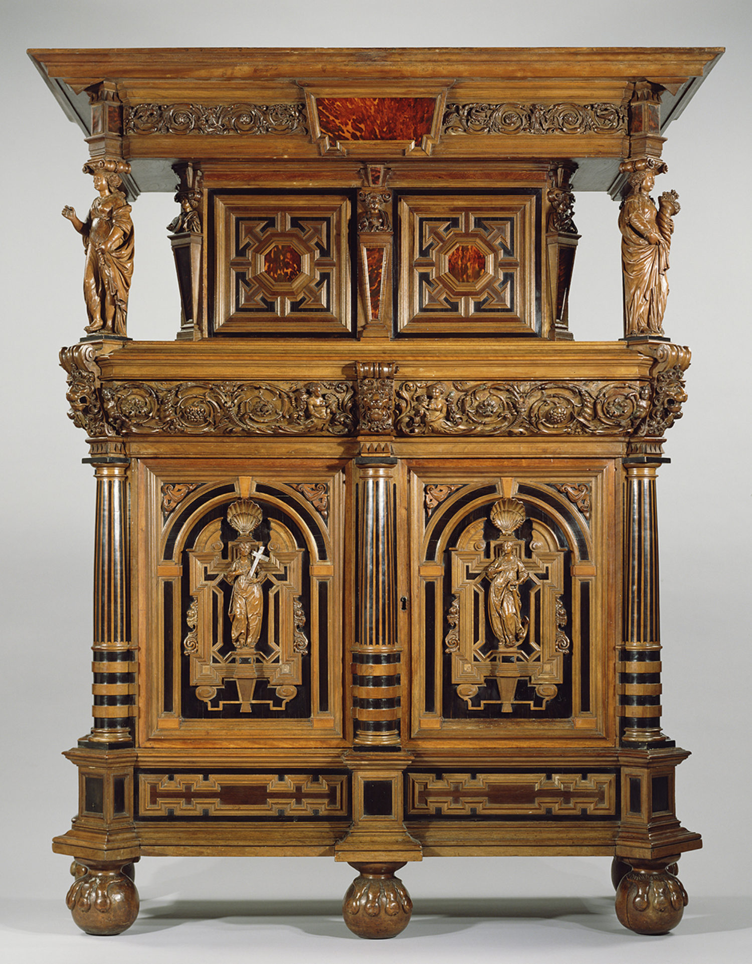 17th Century Flemish Display Cabinet (toonkast)