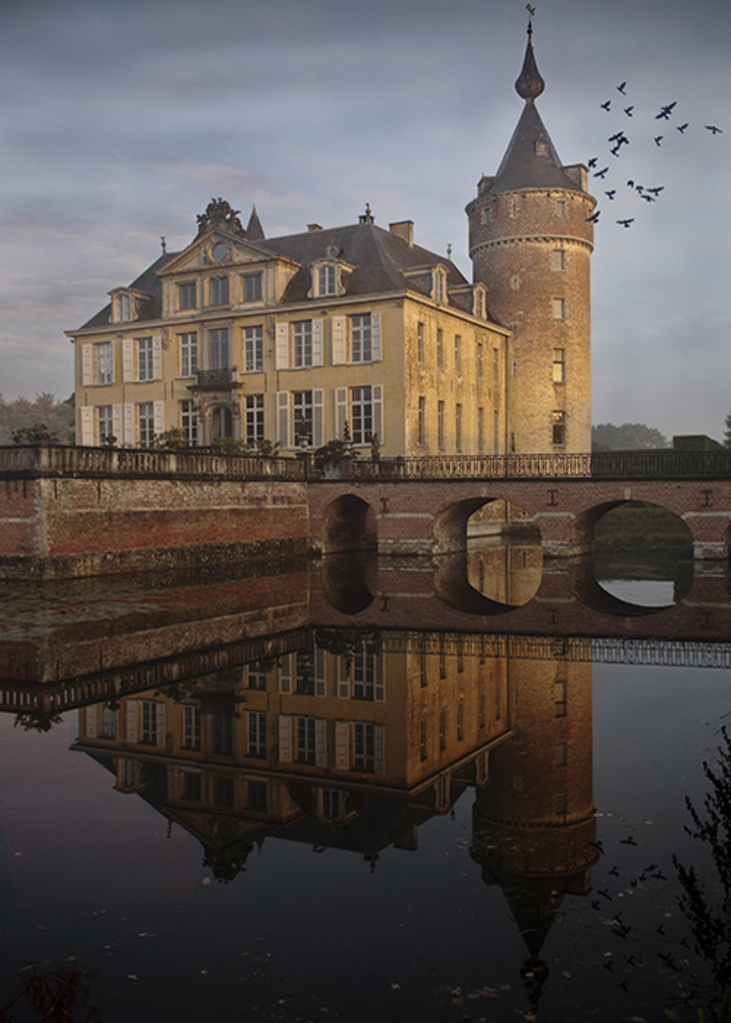 The Castle of 's-Gravenwezel and surrounding moat and bridge
